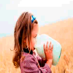 94 girl drinking milk picture