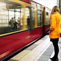 Imagen Mujer Tren 94